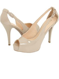 GUESS at Zappos. Free shipping, free returns, more happiness!