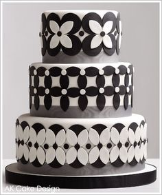 Beautiful Cake Pictures: Black and White Multi-Patterned Cake - Black & White Cakes, Elegant Cakes, Wedding Cakes - Fancy Cakes, Cute Cakes, Pretty Cakes, Black White Cakes, Petal Cake, Patterned Cake, Cake Blog, Elegant Cakes, Gorgeous Cakes