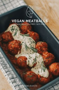 Vegan Meatballs – VeggieJeva Ingredients: 1 cup cooked white cup cooked pinto beans¾ cup chickpea flour, plus more if garlic clove½ white onion, tbsp tomato tbsp ground flax seedFresh parsleySalt & pepper, to taste Vegan Dinner Recipes, Veggie Recipes, Whole Food Recipes, Vegetarian Recipes, Cooking Recipes, Healthy Recipes, Best Tofu Recipes, Seitan Recipes, Great Vegan Recipes