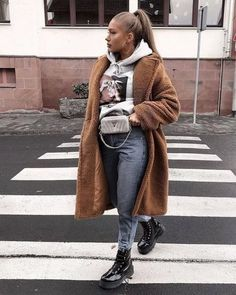 winter outfits street style Trendy Spring Outfits for Your Street Style Ideas CozyLovely. Winter Outfits For Teen Girls, Winter Fashion Outfits, Fall Winter Outfits, Look Fashion, Autumn Winter Fashion, Spring Outfits, Womens Fashion, Fall Fashion, Winter Fashion Street Style