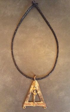 Collares Tuaregs traídos de Malí hechos a mano.  www.mambonamambo.com