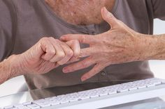 7 esercizi delle mani contro i dolori dell'artrite
