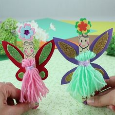 Little fairies in sticks for kids for teenagers for teens to make crafts Popsicle Stick Crafts, Popsicle Sticks, Hat Crafts, Diy And Crafts, Diy For Kids, Crafts For Kids, Baby Hands, Toddler Crafts, Activities For Kids