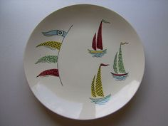 An Incredibly Rare J & G Meakin Retro Plate c. Wow, I have this, with a woven blue clip on handle- it's one of my favourite possessions! Didn't know it was rare tho! Painted Ceramic Plates, Ceramic Pottery, Pottery Painting, Ceramic Painting, Vintage Pottery, Vintage Ceramic, Vintage China, Retro Vintage, Alfred Meakin