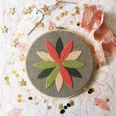 """Katie Stackhouse (@themidnightcreative) on Instagram: """"This pretty Rosette Hex is leaving for its new home today!⠀ .⠀ .⠀ #punchneedle #rugpunching…"""""""