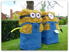 Posts about car boot sale written by Ray Duffill Minion Halloween, Halloween Wood Crafts, Halloween Themes, Fall Crafts, Fall Halloween, Holiday Crafts, Halloween Decorations, Crafts For Kids, Hay Bale Decorations