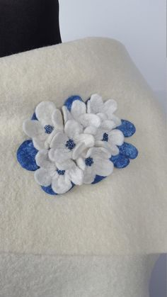 Unique white and blue brooch with flowers and seed beads, Easter gift idea for her, bride's dress decoration Easter Gift, Seed Beads, Throw Pillows, Trending Outfits, Unique Jewelry, Handmade Gifts, Flowers, Om, Design