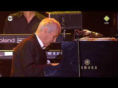 North Sea Jazz 2009 Live - Burt Bacharach - Walk on by