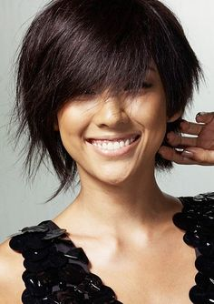 Lee Hyori Short Layered Choppy Hairstyle For Women With Fine Hair