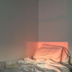 New photography aesthetic sleep Ideas Aesthetic Couple, Peach Aesthetic, Aesthetic Pictures, Cozy Aesthetic, Aesthetic Vintage, Shotting Photo, Foto Blog, Just Peachy, Light And Shadow