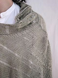 gary graham summer 2011 .. inspiration for a shawl with added stitches around the neck to create a collar effect