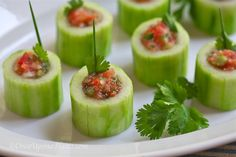 Once Upon a Plate: Cucumber Shooters. You can fill them with Gazpacho (spiked, or not.) Pico de Gallo, Chicken, Shrimp, or Tuna Salad or your favorite dip or spread. Cold Appetizers, Appetizer Recipes, Vegetable Appetizers, Great Recipes, Favorite Recipes, Cucumber Bites, Good Food, Yummy Food, Country Boil