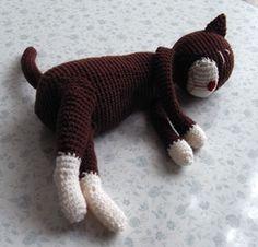 Chubby Lazy Cat (c) Crochet Poncho, Crochet Dolls, Free Crochet, Lazy Cat, Japanese Patterns, Cat Costumes, Amigurumi Toys, Dinosaur Stuffed Animal, Crochet Patterns