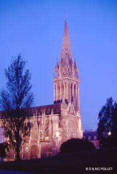 Caen mai 1971, l'église Saint Pierre.