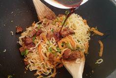 La Fée Stéphanie: Noodles sautées aux légumes et protéines de soja laquées, recette végétalienne