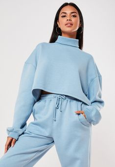 Missguided has the fiercest collection of affordable, coveted tops in the fashion universe. From crop tops & camis to shirts & bodysuits - just take a look! Cute Comfy Outfits, Sporty Outfits, Mode Outfits, Girl Outfits, Winter Fashion Outfits, Look Fashion, Girl Fashion, Womens Fashion, Look Chic