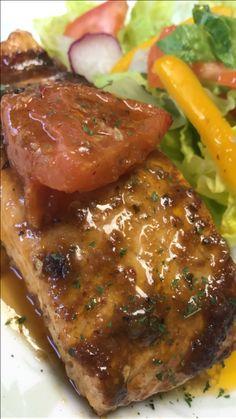 Salmón tomates confitados en salsa de tamarindo y Gengibre ... 👌🏻💕✨🐟 #sabor #Salmón #Tomates #foodlover #Vida #Salud #Omega3