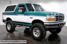 1996 Ford Bronco 4x4 - i don't entirely understand why i have always wanted one of these, but i do.