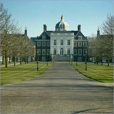 Palace Huis Ten Bosch l Den Haag l The Hague l Dutch l 2015 l The Netherlands Kingdom Of The Netherlands, Holland Netherlands, Leiden, Travel Around The World, Around The Worlds, Amsterdam Holland, Dutch Royalty, The Hague, Beautiful Sites