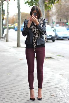Maroon skinnies with of course, leopard ;)
