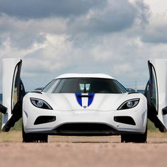 Behold the king of the supercars - The Koenigsegg Agera