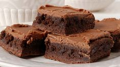 This fudge brownie recipe makes an irresistible treat. Fudge Brownie Recipe from Grandmothers Kitchen. Fudge Brownies, Chocolate Fudge Slice, Brownies Caramel, Chocolate Mayonnaise Cake, Chocolate Cake, Coffee Brownies, Moist Brownies, Bean Brownies, Healthy Brownies