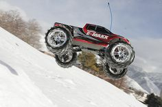 E-Maxx: 1/10 Scale Electric 4WD Monster Truck with TQi Traxxas Link Enabled 2.4GHz Radio System | Traxxas