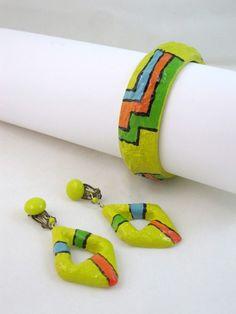 Vintage 1960's Mod Paper Mache Bangle Bracelet And Earrings
