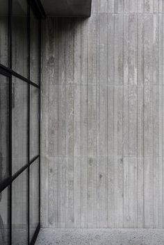Insitu concrete facade by B. Metal Facade, Concrete Facade, Concrete Architecture, Concrete Houses, Concrete Texture, Exposed Concrete, Brick Facade, Facade House, Board Formed Concrete