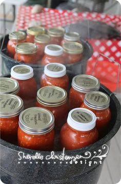 Quick how to for canning tomatoes with recipes for salsa, pizza sauce, and pasta sauce