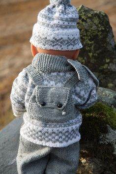 Baby Knitting Patterns Pants Knit cute doll winter clothes for Baby Born, the Norwegian traditi . Knitting For Kids, Baby Knitting Patterns, Baby Patterns, Crochet Patterns, Sweater Patterns, Lace Knitting, Knitting Ideas, Baby Born Clothes, Winter Baby Clothes