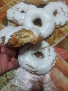 Hispanic Desserts, Spanish Desserts, Bolivian Food, Bolivian Recipes, Donuts, Cupcake, Profiteroles, Flan, Doughnut