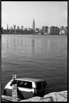 vintage everyday: Car Stripping in Brooklyn, 1980's