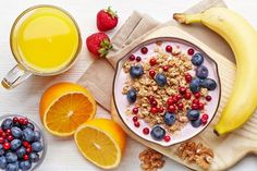 When it comes to nutrition, your body craves routine. Eat breakfast every day. It's the healthy choice. Skipping breakfast is not an option! Healthy Breakfast For Weight Loss, Health Breakfast, Healthy Breakfast Recipes, Best Breakfast, Breakfast Ideas, Healthy Recipes, Nutritious Breakfast, Yogurt Breakfast, Easy Recipes