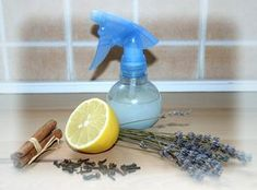 Minden lakásnak van egy jellegzetes illata, valakinél az öblítő, másoknál a… Natural Living, Spray Bottle, Potpourri, Home Remedies, Cleaning Supplies, Life Hacks, Diy Crafts, Homemade, Home Decor