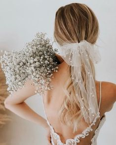fall wedding shoes Bows, Barrettes, Bars, Oh My! All the Popular Hair Trends for Fall Bridal Hairstyles - Green Wedding Shoes - Diana Miranda_Dreamery Events - Wedding Veils, Wedding Dresses, Hair Wedding, Bridal Veils, Wedding Bouquet, Wedding Reception, Boquet, Bridal Updo, Wedding Poses