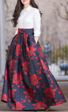 Rose print skirt – Apryl Taylor – Join in the world of pin Indian Fashion Dresses, Pakistani Dresses Casual, Frock Fashion, Indian Gowns Dresses, Dress Indian Style, Pakistani Dress Design, Indian Designer Outfits, Fashion Mode, Pakistani Fashion Casual
