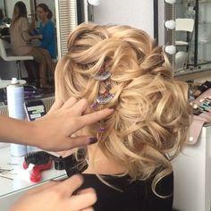 Показ прически на индивидуальном обучении ...Hair  by me #art4studio #trucco #hair #hairstyle #wedding #makeup #weddingidea #acconciatura #weddingstyle #bride #bridallook #bridalmakeup #bridalhairstyle #hairdo #hairstyle @hairstyle #brides #стилист #updo #свадебныйстилист #свадебныймакияж #свадебныепрически #макияж #прическа#beauty #vegas_nay #hudabeauty @hudabeauty @styleartists #vegas_nay #makegirlz  #wakeupandmakeup @wakeupandmakeup @hair.videos @peinadosvideos @vegas_nay