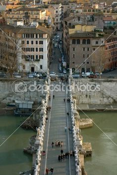 View above Sant'Angelo bridge and Tiber river in Rome, Italy.  © Corina Daniela Obertas