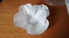 Forminha para doces em tecido bouquet mini rosa branco com altura de 5cm e base 9cm. <br>Telinha de base branca
