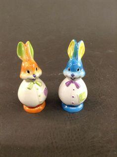 Vintage Goebel Rabbit Bunny Salt And Pepper Shaker Set - W. Germany