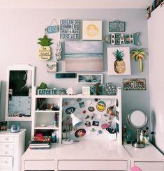 99 Latest College Apartment Decoration Ideas To Copy - Dorm Room Storage, Dorm Room Organization, Organization Ideas, Cute Room Ideas, Cute Room Decor, Beachy Room Decor, Study Room Decor, Bedroom Decor, Bedroom Ideas