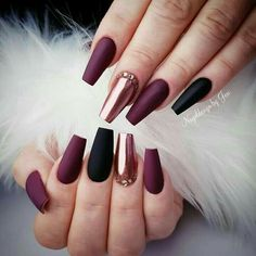 Manicure Trend Fall Winter 2018 Easy to .-- Manicure Trend Fall Winter 2018 Easy to . Manicure Trend Fall Winter 2018 Easy to make, black lacquer and … Burgundy Nails, Purple Nails, Black Nails, Pink Nails, Purple Gold, Violet Nails, Black Manicure, Purple Art, Matte Black
