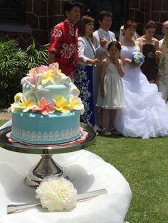 https://www.facebook.com/hawaii.beach.photo.wedding  さんからいただきました~ ハワイで活躍! クレイアートのウェディングケーキ