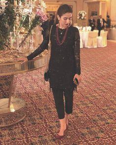 55 Ideas Fashion Quotes Black Clothes For 2019 Simple Pakistani Dresses, Pakistani Dress Design, Indian Dresses, Indian Outfits, Black Pakistani Dress, Pakistani Girl, Pakistani Fashion Party Wear, Pakistani Wedding Outfits, Indian Fashion