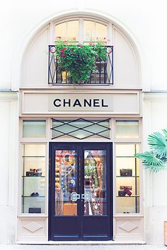 #storefront #chanel