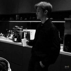 Nct 127 Mark, Mark Nct, Lee Min Hyung, Canadian Boys, Na Jaemin, Kpop, Wattpad, Boyfriend Material, Taeyong