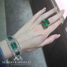 A girl can never have enough emeralds, especially if they are as gorgeous as in the picture! #glondon #glennspiro ❤️ Credit: www.margoraffaelli.com