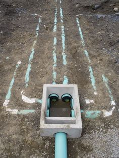 Plumbing Drains, Plumbing Tools, Bathroom Plumbing, Diy Septic System, Septic Tank Systems, Toilet Installation, Plumbing Installation, Septic Tank Design, Fossa Séptica