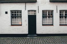 Benefits of Using Pivot Doors
